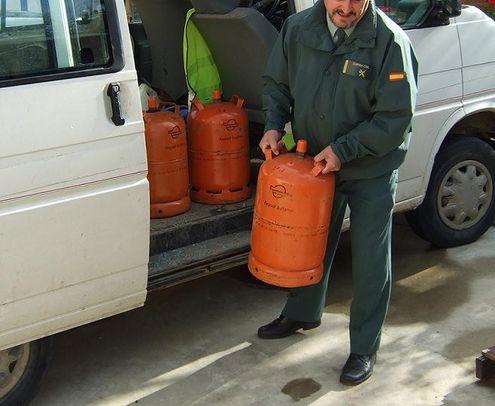 Los detenidos, vecinos de Villamanrique, vendían las bombonas a particulares a precio más bajo que el de mercado