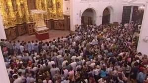 Imagen del interior de la ermita pasadas las 00:15 horas/Canal Sur TV