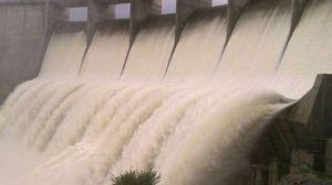 La presa de Los Melonares desembalsa por primera vez tras las precipitaciones de febrero de 2010 / Fotografía: Juan Carlos Romero