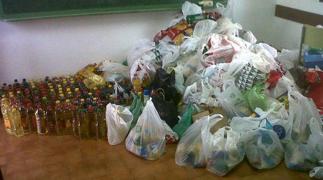 alimentos-feria-carmona-caritas-210512