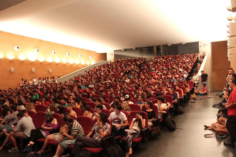 Asamblea de la Fcom en horario de tarde/Juan Carlos Romero