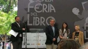 entrega-premio-feria-libro-sevilla-biblio-alcala-200512
