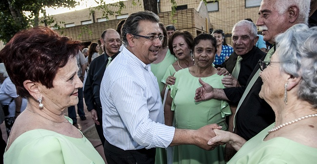 Zoido ha clausurado este sábado los talleres socio-culturales del Distrito Cerro-Amate/SA
