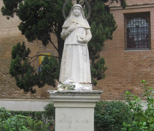 monumento-santa-angela-cruz-300612