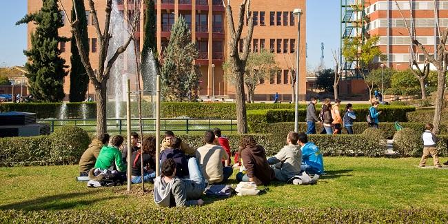 campus-reina-mercedes-us-020712