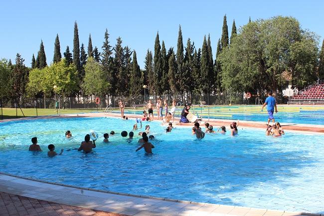 piscina-cavaleri-130912