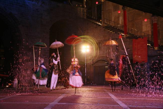 Actuación del Teatro Tascabile di Bergamo / La Bienal