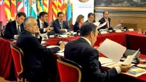 grinan-conferencia-presidentes-021012