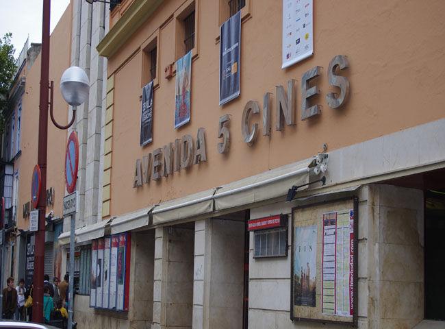 El Cine Avenida acogió la primera proyección del festival: el pase de prensa de 'Fin'/Angel Espínola