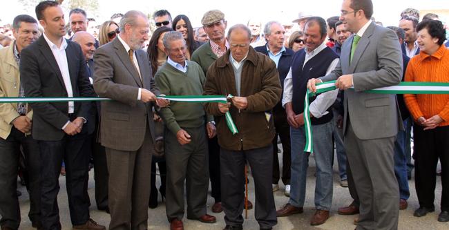 Anteayer el Ayuntamiento denunció el embargo de las subvenciones a la Feria Agro ganadera 2012, a la Marcha en Bici del Día de Andalucía y a diversos programas de juventud. / Sevilla Actualidad