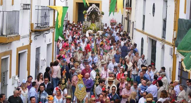 La salida de Gines está declarada fiesta de interés turístico de Andalucía / Sevilla Actualidad