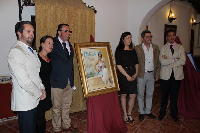 El acto ha contado con la presencia del alcalde de la ciudad, Antonio Gutiérrez Limones; y el delegado municipal de Fiestas Mayores, Enrique Pavón./Ayuntamiento Alcalá de Guadaíra