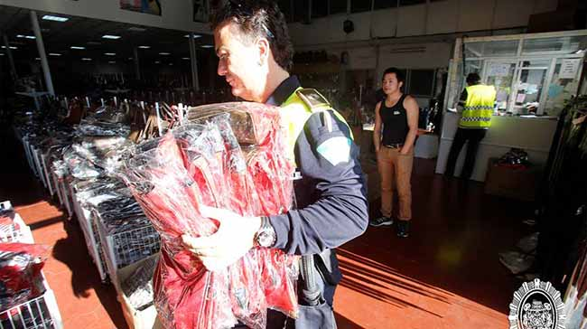policia-local-bolsos-chinos