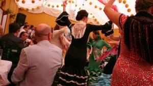 flamencas-bailando-feria-sevilla-nestor-flickr