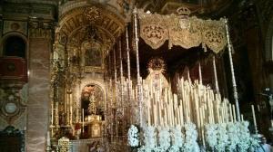 la macarena en la basilica