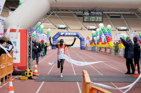 maraton-llegada-keniano