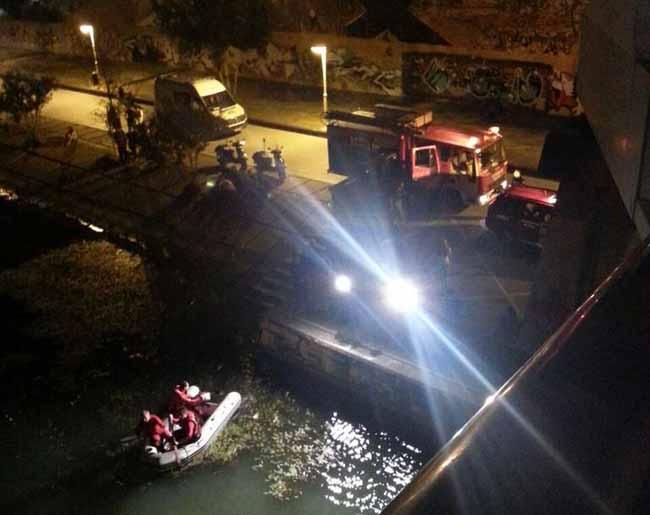 ahogado-darsena-bomberos-sevilla