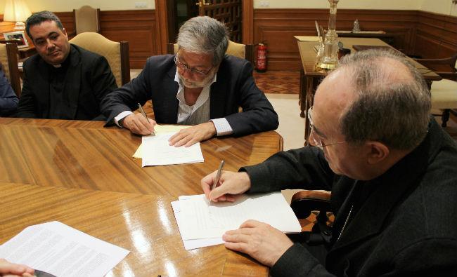 toscano-arzobispo-asenjo-firma-convenio