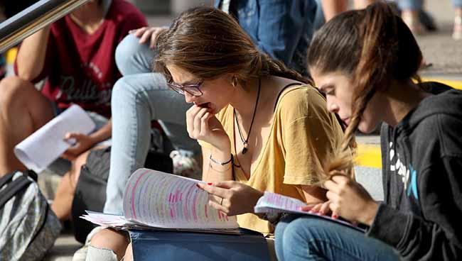 estudiantes-selectividad-septiembre-us
