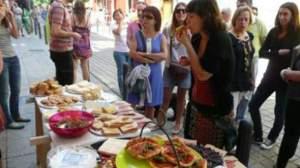 Participantes de un Sunday Soup disfrutando de la comida 1