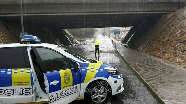 policia-local-puente-lluvias