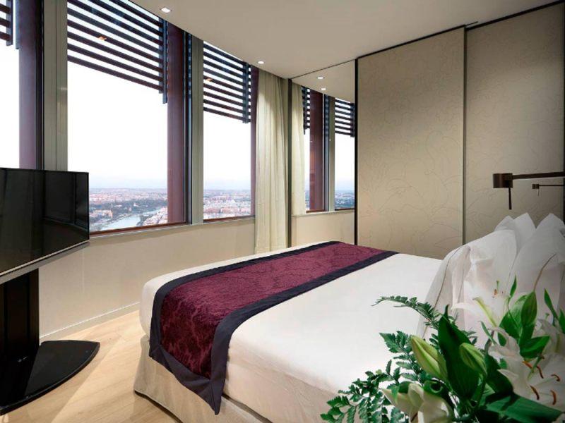 Una de las habitaciones del hotel Eurostars Torre Sevilla 5/ Eurostars