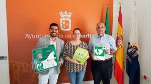 La alcaldesa de Espartinas felicita a los agentes /Ayto. Espartinas