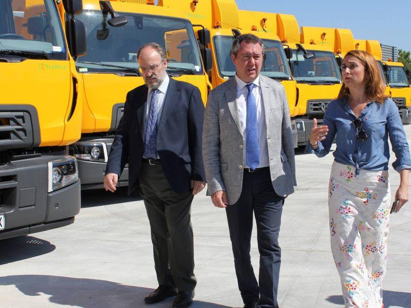 Espadas visita los nuevos vehículos de Lipasam /Ayto. Sevilla