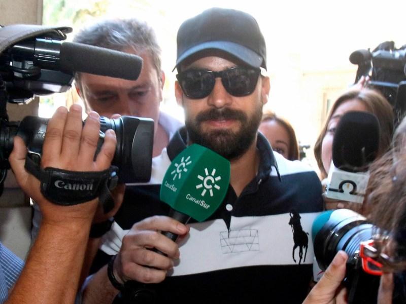 El guardia civil de La Manada llega a la Audiencia de Sevilla /Cedida