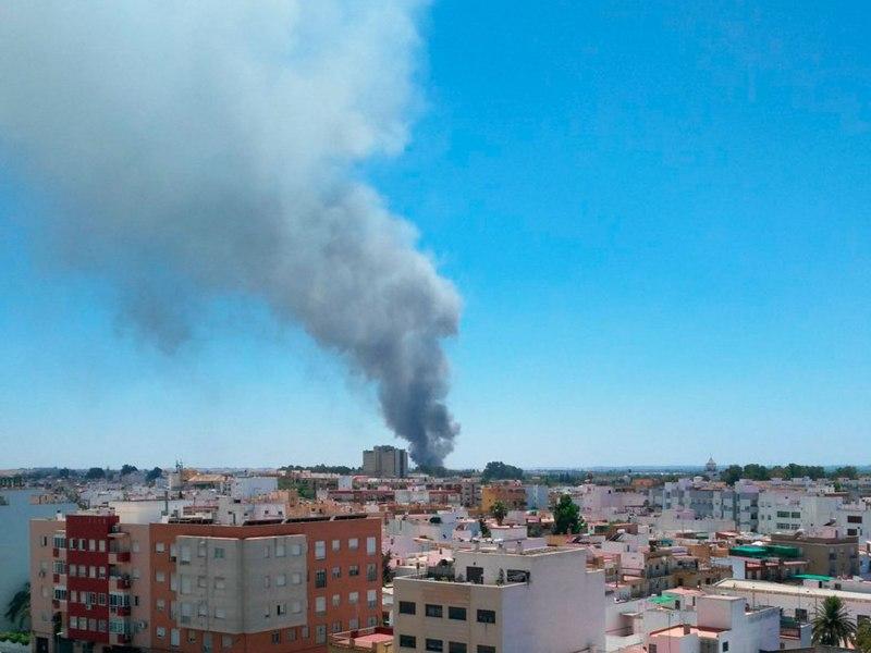 Incendio en Fuente del Rey /@EmergenciasSev