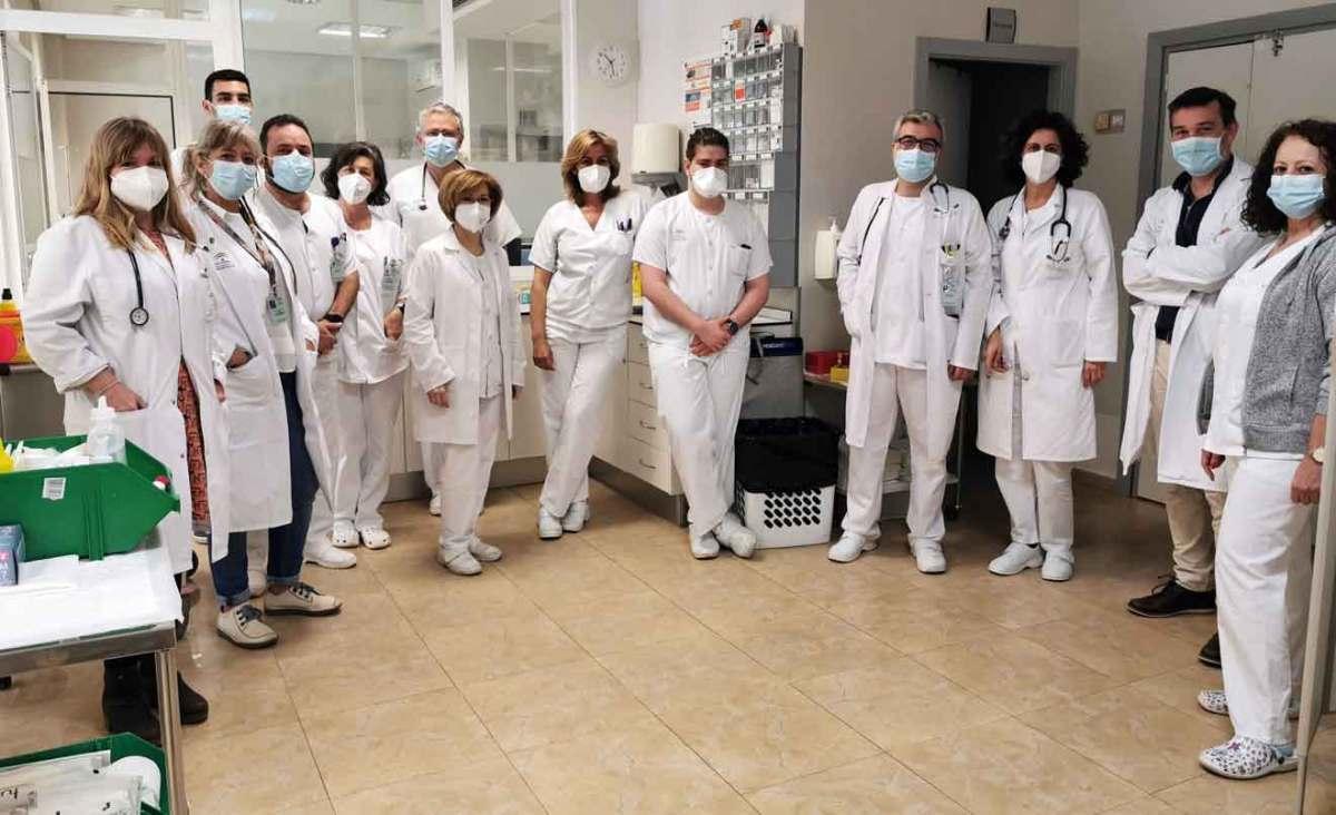 Enfermería y facultativos en la unidad de día Interna en El Tomillar