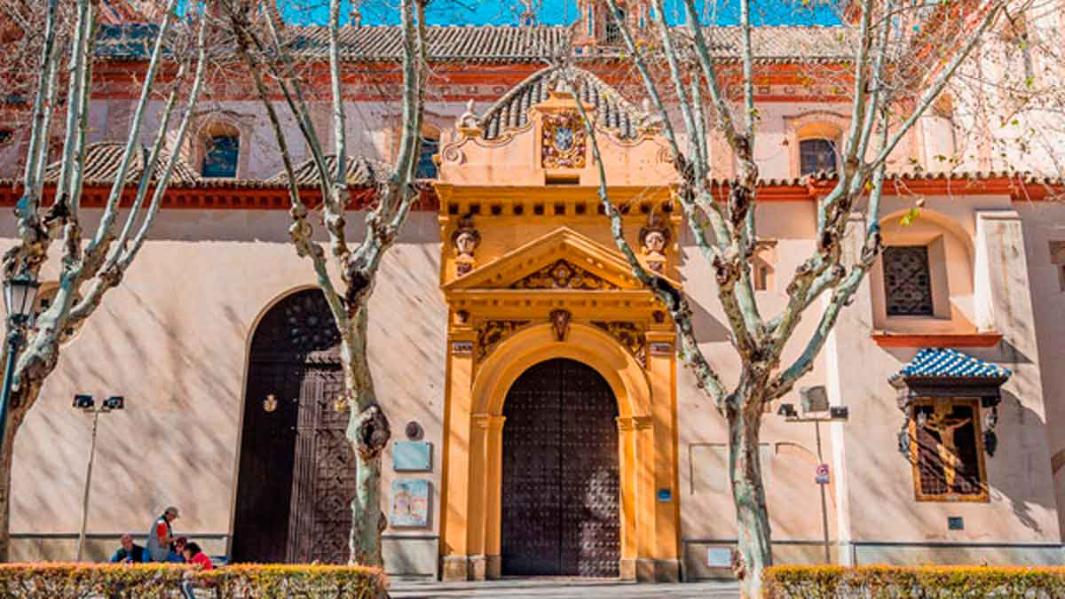 Fachada principal de la iglesia de la Magdalena / Ayuntamiento de Sevilla