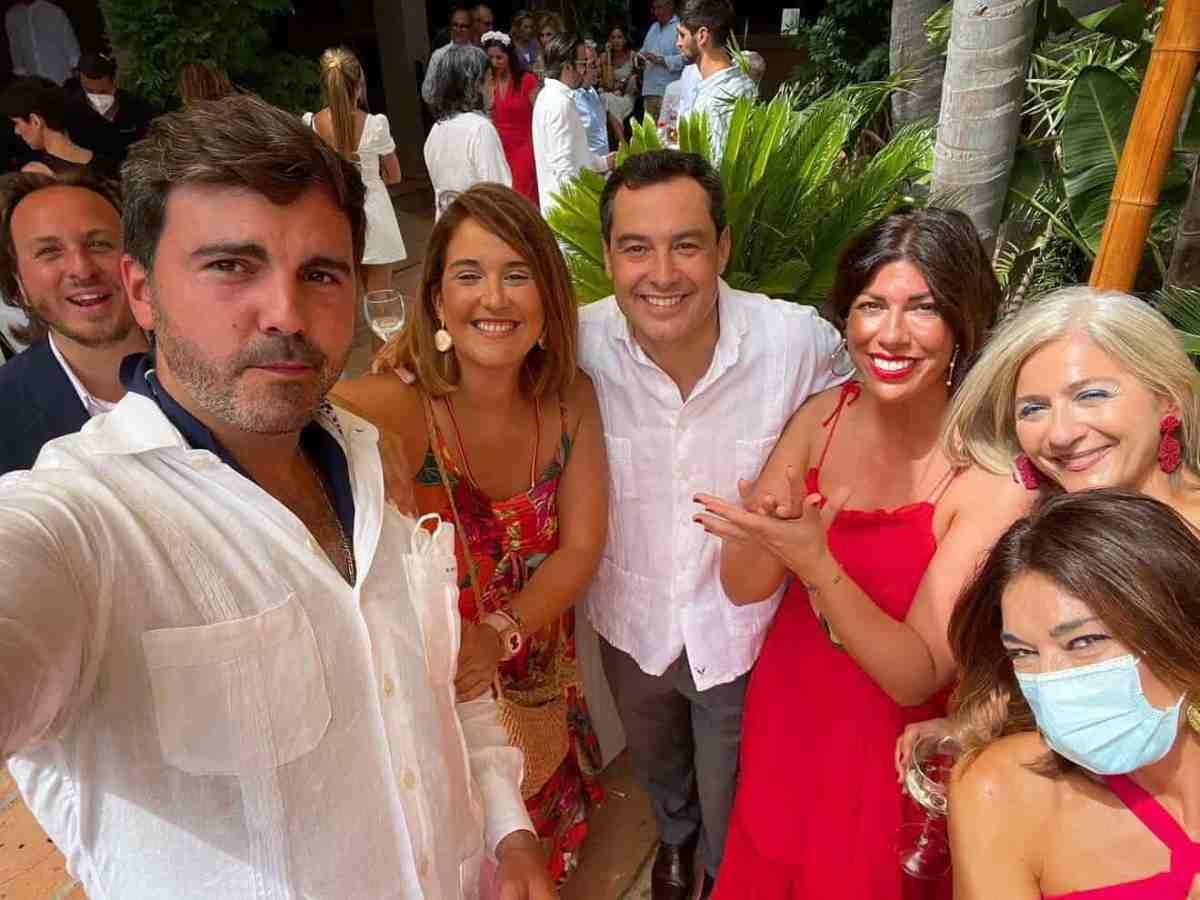 Juanma Moreno en la boda de Beltrán Pérez / RRSS @niebladeltoro