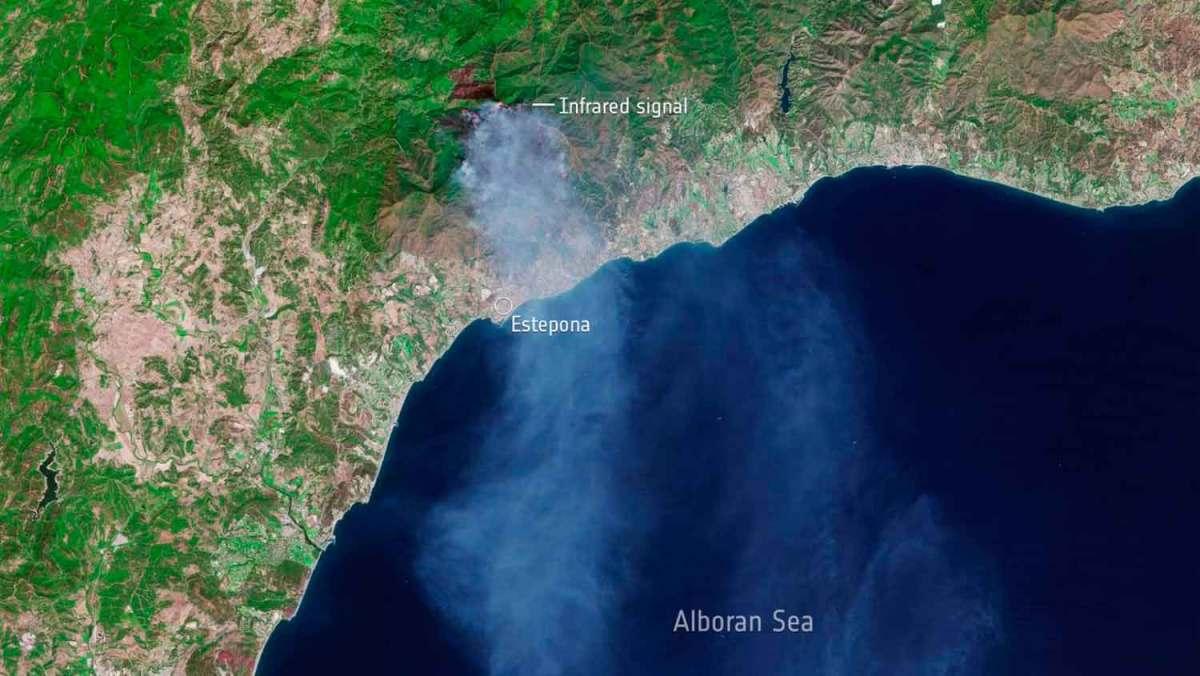 Vista de satélite del incendio de Sierra Bermeja