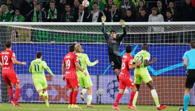 Bono, en una acción ante el VfL Wolfsburg