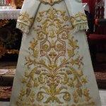 La saya de salida de la Virgen de Guadalupe, restaurada en Granada