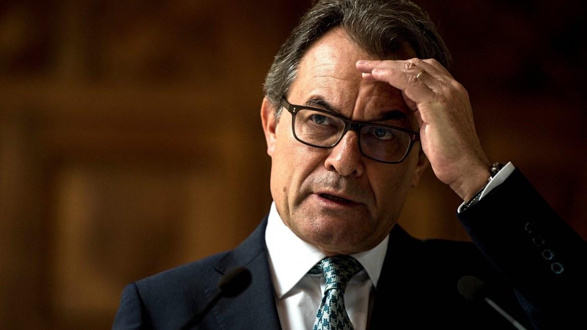 Artur Mas abona 400.000 como parte de la fianza que debe 3 millones.