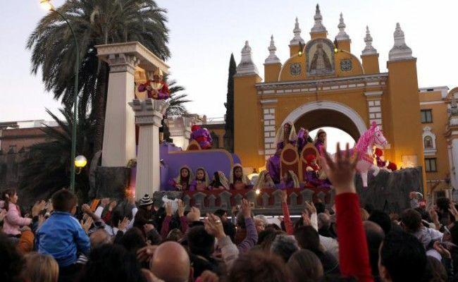 La Cabalgata de Sevilla se mantiene a pesar de la previsión de fuertes lluvias