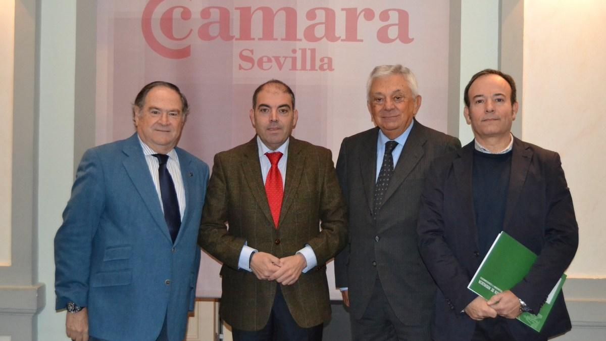 El presidente de la ATA, Lorenzo Amor, en la sede de la Cámara de Comercio de Sevilla