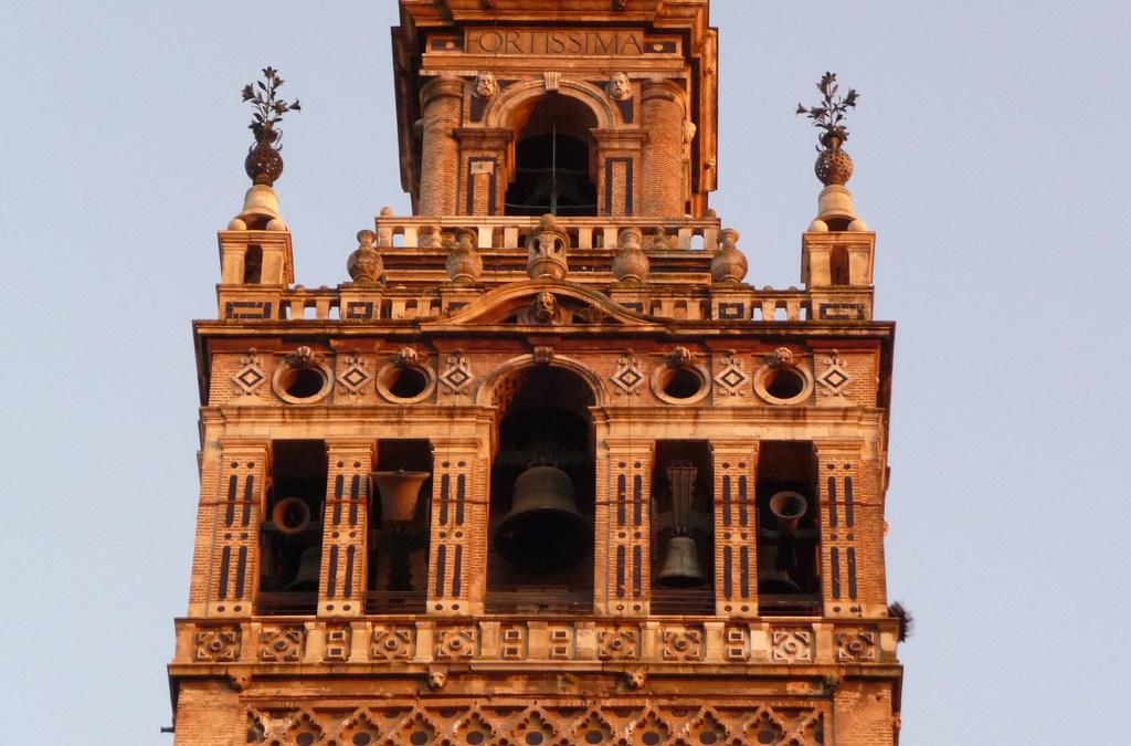 Luz verde a la continuación de las abras de consolidación de la torre de la Giralda