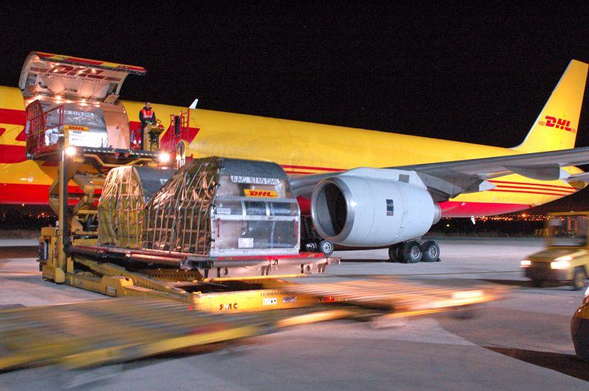 Las nuevas instalaciones de DHL permitirá a las empresas sevillanas incrementar su volumen de exportaciones