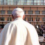 Católicos, no «papólatras»