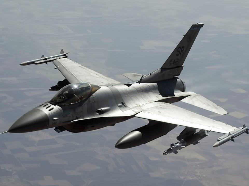 Caza de combate F-16