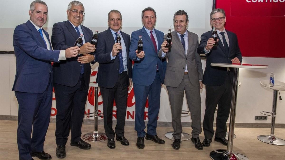 En el aniversario de la fábrica de Coca-Cola