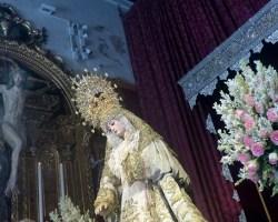 Besamano de la Virgen del Rosario en Montesión
