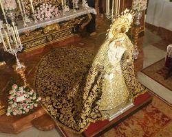 Caridad del Arenal de Sevilla en besamano