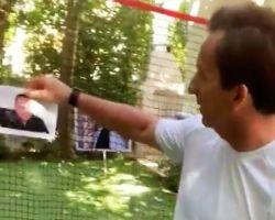 ¿Golf contra golfos? El vídeo viral del golfista Gonzalo Fernández-Castaño para mejorar el swing lanzando sobre las fotos de los políticos