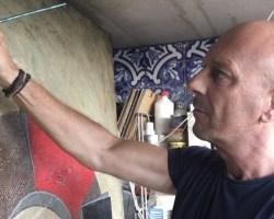"""Entrevista al pintor José María Díaz Ligüeri: """"Cuando llegas todo está rodeado de verde vejiga oscuro para poco a poco volverse verde esmeralda, la luz empieza a envolverte"""""""