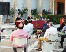 El Consejo de Cofradías devolverá el dinero de las sillas y los palcos a los interesados que lo soliciten