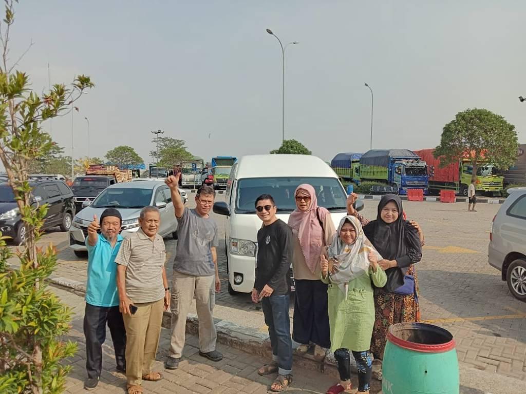 Sewa Hiace Membawa Rombongan Keluarga Bapak Prijo - Bintaro ke Cirebon